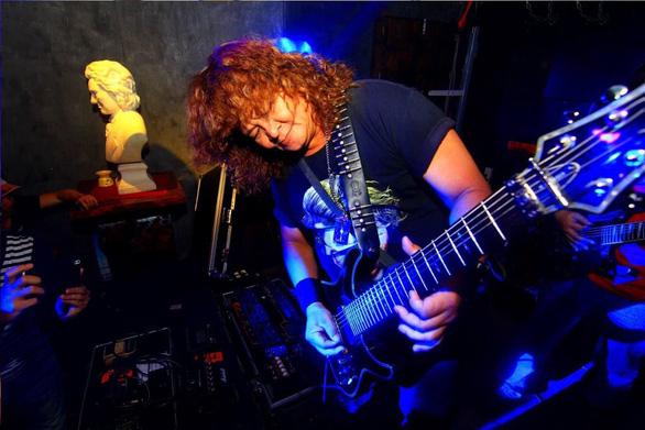 Rocker kỳ cựu Trung Thành Sago vừa qua đời vì COVID-19 - Ảnh 1.