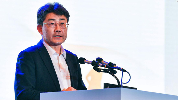 Giám đốc CDC Trung Quốc đã tiêm 3 liều vắc xin COVID-19 khác loại - Ảnh 1.