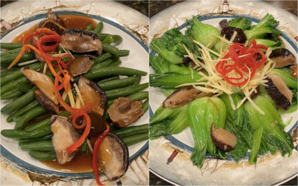 Chuyên gia ẩm thực Tịnh Hải luộc đậu cove, xào cải thìa tỏi xốt nấm gừng - Ảnh 2.