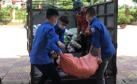 Gần 1.500 tấn nhu yếu phẩm của Thanh Hóa lên tàu biển vào hỗ trợ người dân TP.HCM - Ảnh 3.