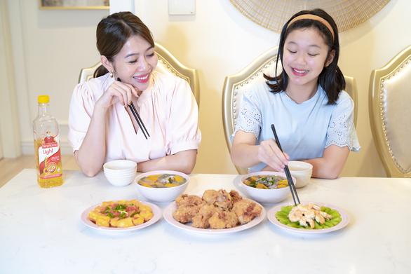 Diệp Chi, Nguyễn Ngọc Thạch kiểm soát cholesterol bằng chế độ ăn uống - Ảnh 1.