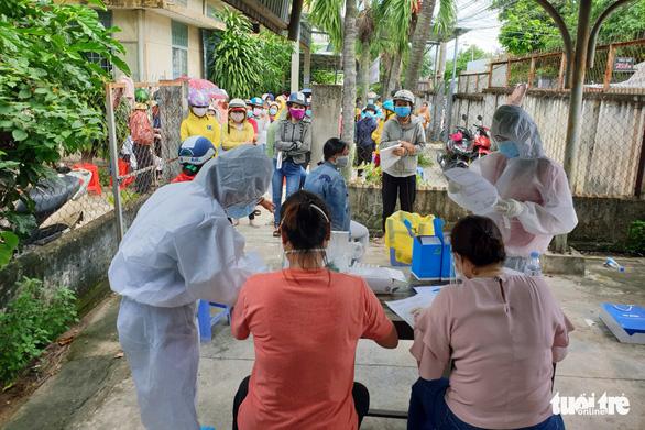 Không đáp ứng '3 tại chỗ', hàng loạt công ty ở Đồng Nai cho công nhân tạm nghỉ việc - Ảnh 2.