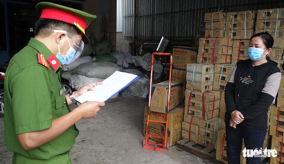 Bắt chủ cơ sở sản xuất cà phê Ngọc Sang, pha 80% đậu nành làm cà phê - Ảnh 1.