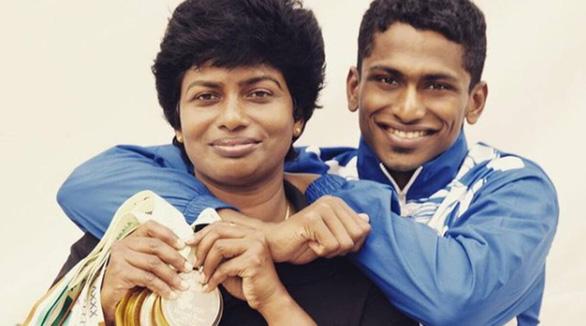 Xúc động mẹ đơn thân nuôi người hùng cho thể thao Ấn Độ - Ảnh 1.