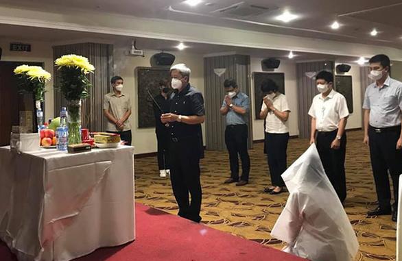 Đang lấy mẫu xét nghiệm tại TP.HCM, nữ sinh Bắc Giang nghe tin cha đột ngột qua đời - Ảnh 1.