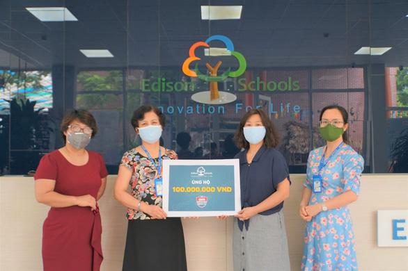 Hai trường học từ Hà Nội, Hưng Yên góp 220 triệu đồng Cùng Tuổi Trẻ chống dịch COVID-19 . - Ảnh 2.
