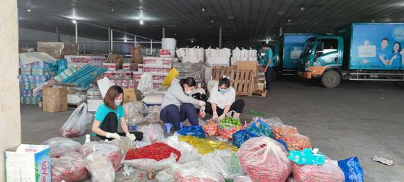 12 ngày, TP.HCM tổ chức 866 lượt xe lưu động bán 415 tấn thực phẩm, 120.700 quả trứng - Ảnh 1.