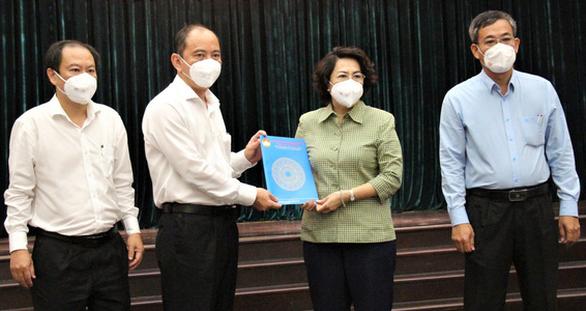 Gần 300 tình nguyện viên các tôn giáo tỏa về các bệnh viện điều trị COVID-19 - Ảnh 2.