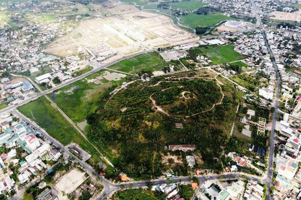 Thành phố trẻ bên núi già - Ảnh 2.