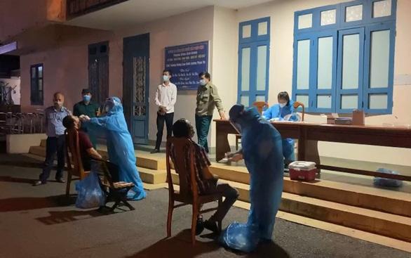 Dịch COVID-19 ngày 22-7: Lái taxi dương tính, Quảng Bình 'đóng băng Đồng Hới trong đêm - Ảnh 1.