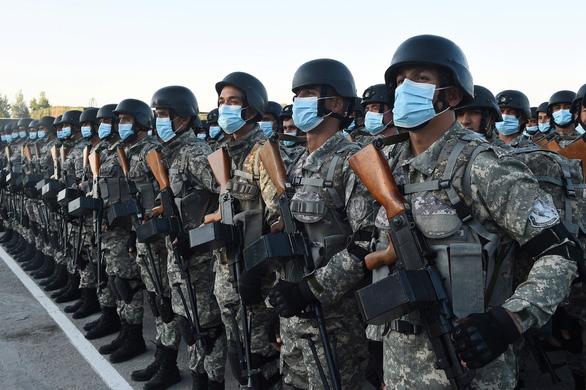 Lo tình hình Afghanistan căng thẳng, Tajikistan tập trận quân sự lớn nhất - Ảnh 2.
