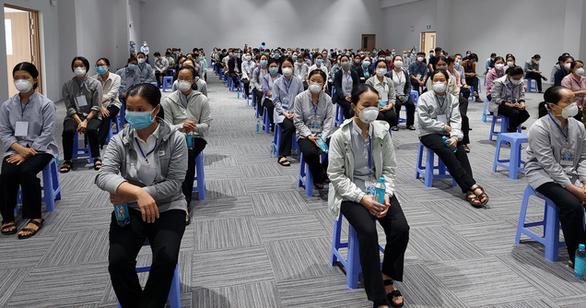 Gần 300 tình nguyện viên các tôn giáo tỏa về các bệnh viện điều trị COVID-19 - Ảnh 3.