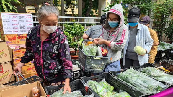 Ngồi nhà vẫn có nhiều cách đi chợ thực phẩm mùa dịch - Ảnh 2.