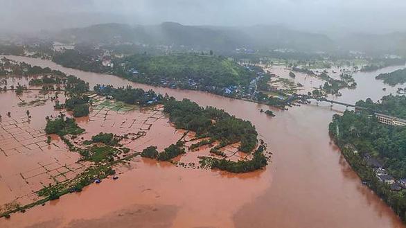 Ấn Độ: Mưa lớn gây lở đất, 44 người chết, 80 người mất tích ở một huyện - Ảnh 1.