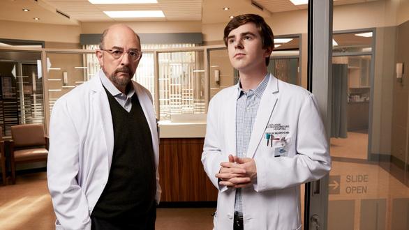 Bác sĩ thiên tài: Nghị lực phi thường của một bác sĩ tự kỷ - Ảnh 3.