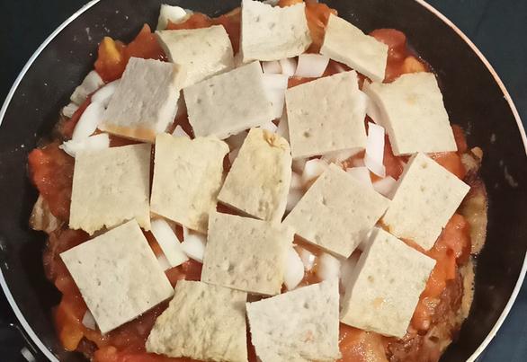 Lạ miệng với pizza bắp cải từ xứ Hàn vào bếp nhà mình - Ảnh 3.