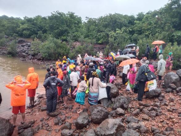 Ấn Độ: Mưa lớn gây lở đất, 44 người chết, 80 người mất tích ở một huyện - Ảnh 2.