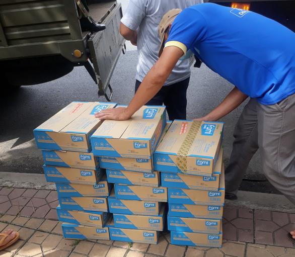 Hỗ trợ 50.000 hộp sữa cho lực lượng tuyến đầu chống dịch Cần Thơ - Ảnh 1.