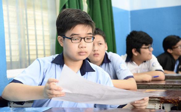 Phụ huynh ở TP.HCM: Mong quyết sớm phương án tuyển sinh lớp 10 - Ảnh 1.