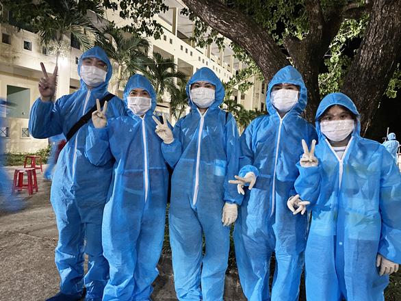Quảng Nam xem xét giải quyết việc làm cho người lao động về từ TP.HCM - Ảnh 1.