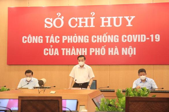 Chủ tịch Hà Nội: Nhiều người vẫn ra đường khi không cần thiết - Ảnh 1.