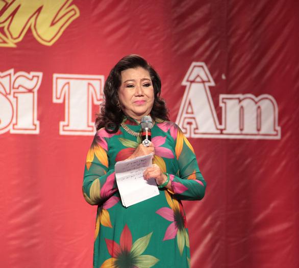 Nhận từ Hà Tĩnh gửi TP.HCM 100 tấn gạo, Thủy Tiên và Công Vinh cầu cứu tình nguyện viên - Ảnh 4.