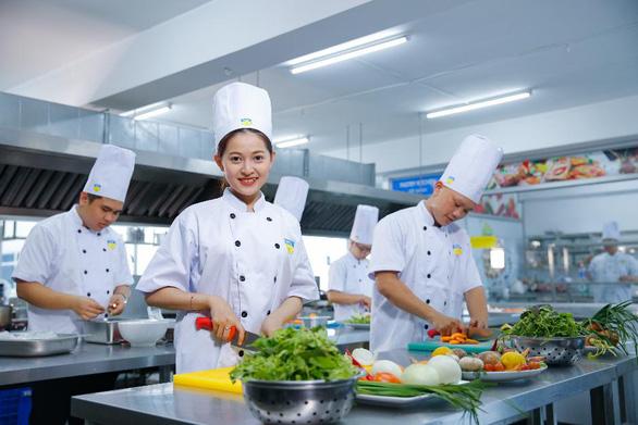 HUTECH - trường đại học đa trải nghiệm cho sinh viên năng động - Ảnh 1.