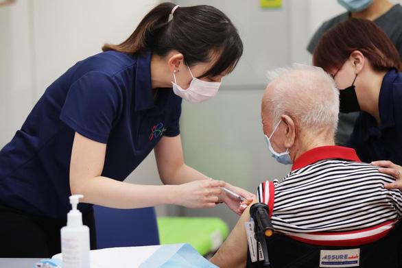 Singapore lo người già chưa tiêm vắc xin - Ảnh 1.