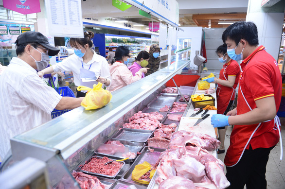Thịt heo nhập được mùa, heo nội gặp khó vì COVID-19 - Ảnh 1.