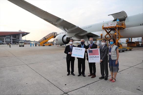1,5 triệu liều vắc xin Moderna do Hoa Kỳ viện trợ qua COVAX về đến Hà Nội - Ảnh 1.
