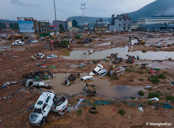 Bão In-Fa, sẽ gây mưa cực lớn, áp sát Trung Quốc - Ảnh 1.