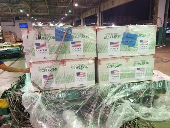 3 triệu liều vắc xin Moderna về tới Việt Nam, một nửa đã chuyển đến TP.HCM - Ảnh 2.