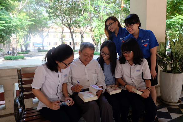 Vĩnh biệt nhà văn - nhà báo - anh Hai Cù Nèo Lê Văn Nghĩa - Ảnh 1.