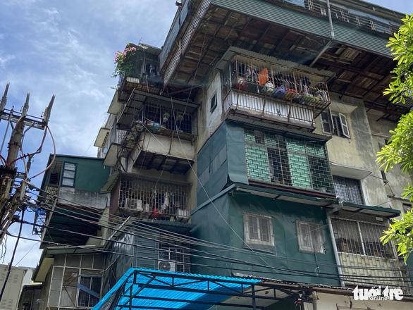 Hà Nội dự kiến chi 500 tỉ đồng để kiểm tra, rà soát chung cư cũ - Ảnh 1.