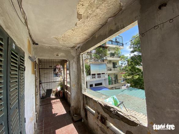 Hà Nội dự kiến chi 500 tỉ đồng để kiểm tra, rà soát chung cư cũ - Ảnh 2.