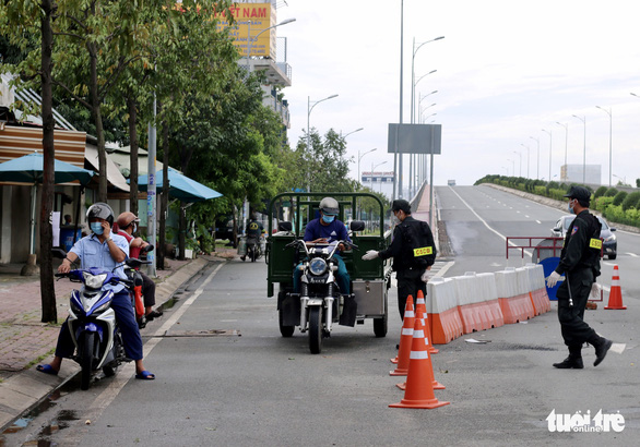 TP.HCM: Nhiều người bị buộc quay đầu khi ra đường không cần thiết - Ảnh 6.