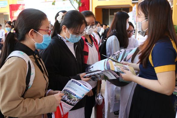 Trường ĐH Gia Định: nhập học từ xa, được đóng trước 50% học phí - Ảnh 3.