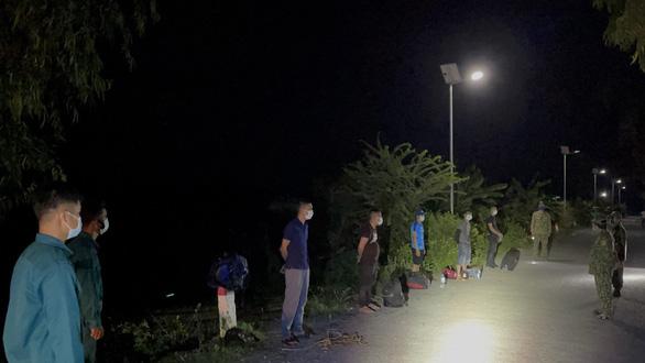 10 thanh niên qua Campuchia trái phép rồi tìm cách về lại Việt Nam - Ảnh 1.