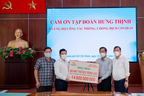Tập đoàn Hưng Thịnh hỗ trợ khẩn hàng chục tỉ đồng cho TP.HCM chống dịch COVID-19 - Ảnh 1.