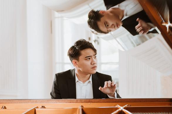 Nguyễn Việt Trung vào chung kết cuộc thi piano Chopin mà 40 năm trước Đặng Thái Sơn đoạt giải nhất - Ảnh 1.