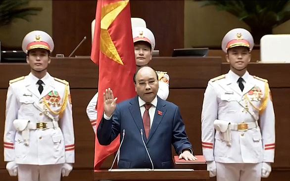 Ông Nguyễn Xuân Phúc tái đắc cử Chủ tịch nước - Ảnh 1.