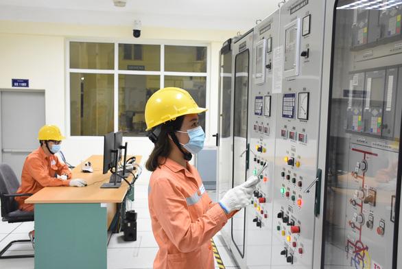 Đảm bảo cung ứng điện cho Hà Nội thực hiện giãn cách xã hội - Ảnh 1.