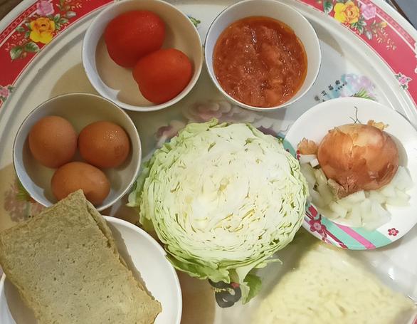 Lạ miệng với pizza bắp cải từ xứ Hàn vào bếp nhà mình - Ảnh 1.