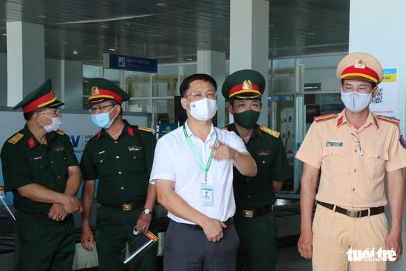 Máy bay đưa 240 người Huế từ TP.HCM về quê tránh dịch an toàn - Ảnh 2.