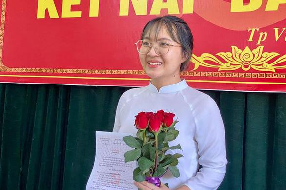 8 trong 11 thí sinh có điểm thi khối C cao nhất nước là học sinh Nghệ An - Ảnh 2.