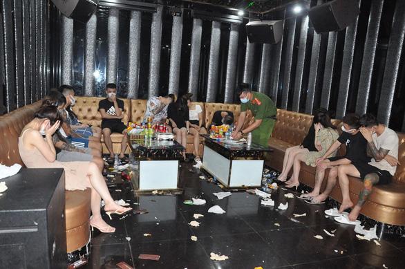 Khởi tố vụ án tàng trữ, mua bán ma túy tại karaoke Bad Boy - Ảnh 1.