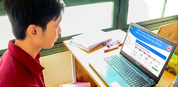 Trường ĐH Sư phạm Kỹ thuật Vĩnh Long  Nhập học và học… tại nhà, điểm sáng an toàn phòng chống dịch - Ảnh 2.