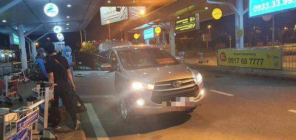 Đến Tân Sơn Nhất sau 18h, hành khách phải vạ vật ngủ qua đêm ở sân bay - Ảnh 6.