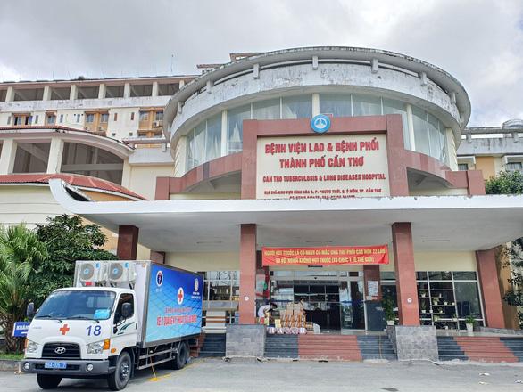 Kết quả xét nghiệm mới có 6 nhân viên y tế Bệnh viện Đa khoa Cần Thơ âm tính với SARS-CoV-2 - Ảnh 1.