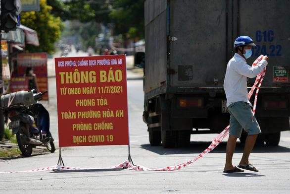 Phòng chống COVID-19 chưa tốt, chủ tịch phường Hóa An rơi chức - Ảnh 1.
